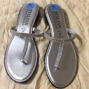 Italian shoemakers brand woman's sandals 7 1/2 M